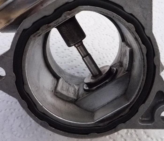 egr carbon valve